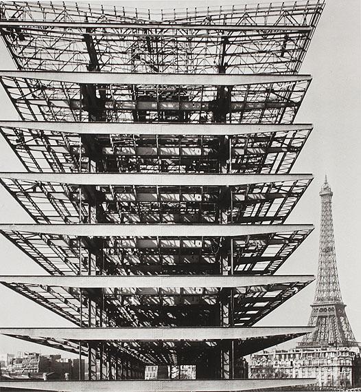 """Lucien Hervé""""Tour Eiffel"""", Paris, 1953© Nachlass Lucien Hervé / Sammlung Mme. Judith Elkan Hervé"""