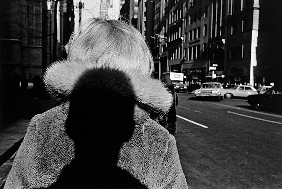 Lee Friedlander, New York City 1966Silbergelatineabzug, 18,8 x 28,2 cmNiedersächsische Sparkassenstiftung, Hannover© Lee FriedlanderRepro: Photo-Team Jürgen Brinkmann, Hannover