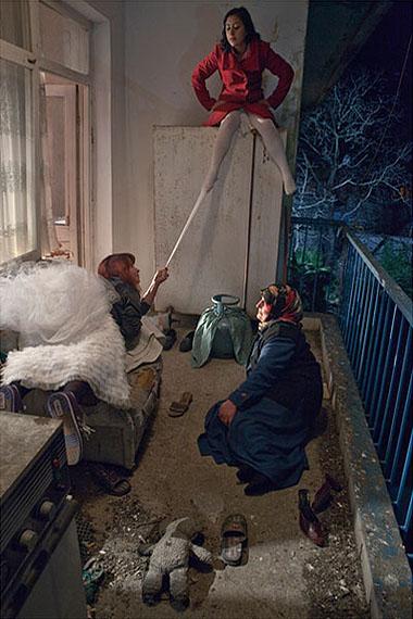 Nilbar GüreşTHE FRONT BALCONYfrom Çırçır 2010c-print180 x 120 cm