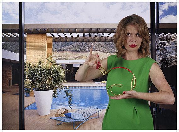 """Tina Bara, Alba D´Urbanoaus: """"Kunstwerke: CasaBellaArt"""" 2004-2006, Lambda-Print auf Fotopapier, 90 x 66 cm, gerahmt, Teil einer 6 teiligen Fotoinstallation"""
