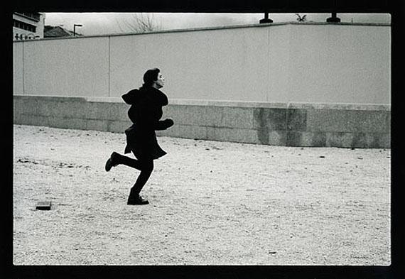 "Šejla Kamerić and Anri Sala, ""1395 Days without Red,"" 2011.A project by Šejla Kamerić and Anri Sala in collaboration with Ari Benjamin Meyers.Photo: © Milomir Kovačevic Strašni.© 2011, Artangel, Sejla Kameric, Anri Sala, SCCA/pro.ba"