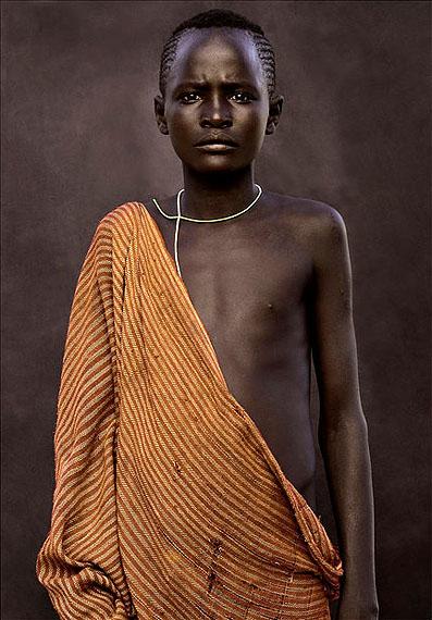 03. Malega, Surma Junge, April, 2011, Äthiopien,140 x 110 cm, Archival Pigment Abzug, Edition 5 + 3 AP.