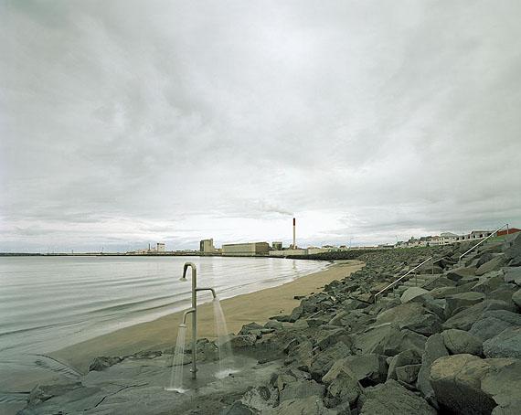 Akranes beach 2002© Olaf Otto Becker, courtesy Galerie f 5,6