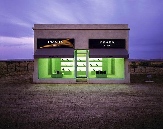 Burk Uzzle: Desert Prada, Marfa, Texas 2007Courtesy Laurence Miller Gallery