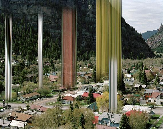 © Ralf Brueck: Twin Peaks, 2011, 175 x 220 cm, c-print, plexiglass, woodframe