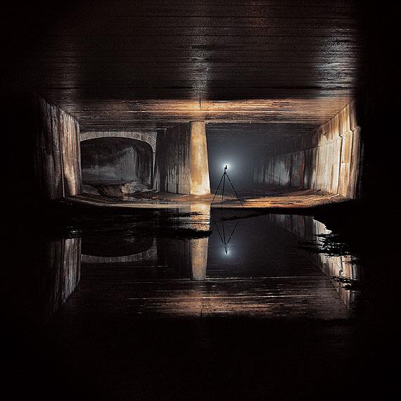 Naoya HatakeyamaUnderground, # 6303, 1999/2000Aus der Serie: TunnelCourtesy X