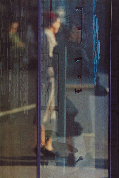 Saul Leiter: Walking, 1956 © Saul Leiter Courtesy: Saul Leiter, Howard Greenberg Gallery, New York