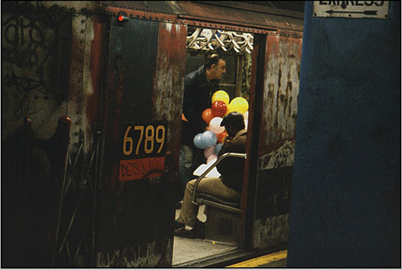 Balloons in the subway, 1984, New York © Frank Horvat  |  www.horvatland.com