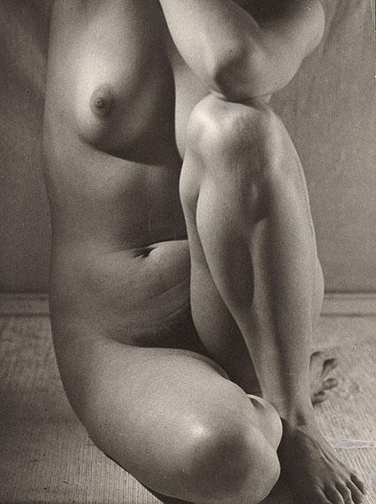 Ruth Bernhard, Classic Torso (Variant), 1952Courtesy Keith de Lellis Gallery