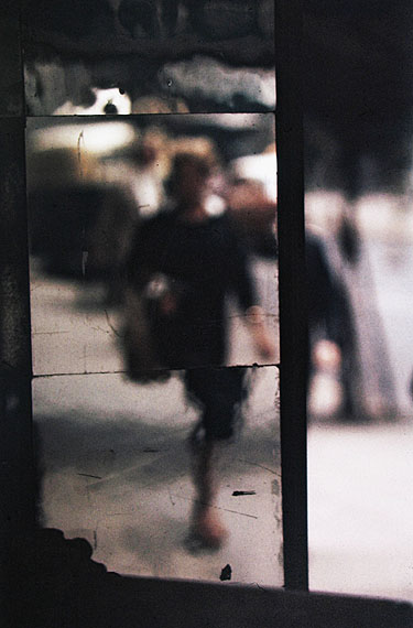 Saul LeiterShopping, ca. 1953 © Saul Leiter Courtesy Howard Greenberg Gallery, New York
