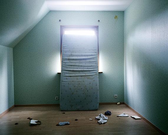 "© Isabelle Pateer, Untitled (mattress), 2010 aus der Serie ""Unsettled"" (2007 - 2012)Courtesy Darmstädter Tage der Fotografie"