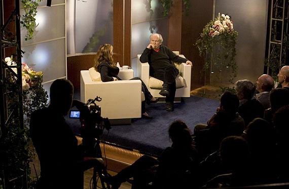 Omer FastTalk Show, 2009Film und PerformanceCourtesy Arratia Beer, Berlin; gb agency, ParisFoto: Olimpia Dior