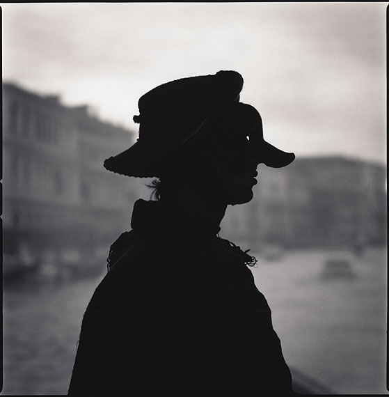 Alvise D'Ambrosi as Capitano (Silhouette), Comedy of Double Meaning © Hiroshi Watanabe
