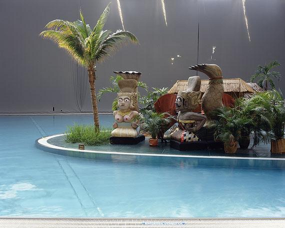 Tim Kubach, Tropical Island 02, Künstliche Welten, 2006, Lambda-Print/Aludibond, 120x150 cm