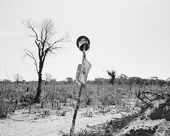 Jo Ractliffe - On the road to Cuito Cuanavale IV