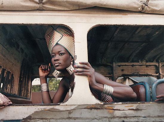 60©  Sibylle Bergemann, Seynabou, Dakar, 2001