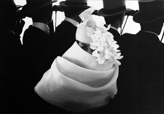 Givenchy, gelatine silver print, 1958 © Frank Horvat