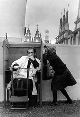 C. García Rodero . La confesión. Saavedra, 1978