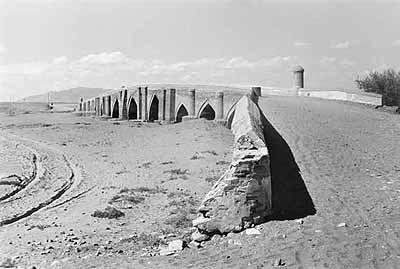entre Tabriz et Makou, Pont Seldjoukide, Azerbaïdjan Occidental, Iran, 1937