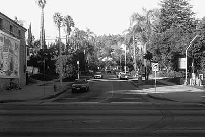 Jonathan Monk, None of the Buildings on Sunset Strip, 2002, 34 s/w Prints, 13 x 18 cm, Courtesy Revolver Verlag