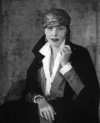© Berenice AbbottDjuna BarnesParis, c.1926