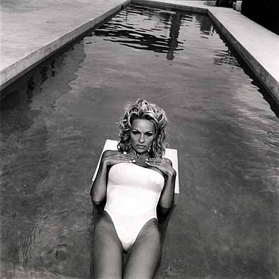© Mary Ellen Mark- Pamela Anderson, Los Angeles, California, 1998