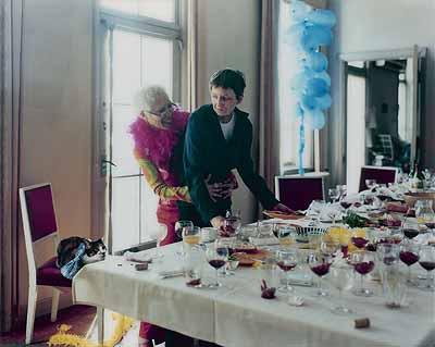 Yoko & Regine, 2001Photographie , 128,5 x 160cm© Sammlung Deutsche Bank