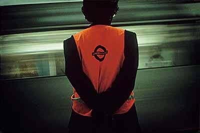 o.T., aus: Ventures Underground seit 1990, c-Print, 62.23 x 101.6 cm© Martha Rosler
