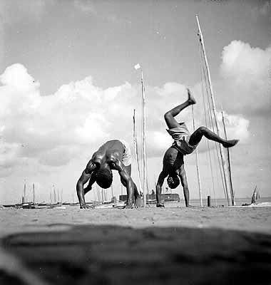 Capoeira, Salvador da Bahia, 1946-1948. Foto: Pierre Verger. © Stiftung Pierre Verger