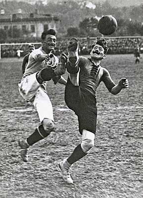 Lothar RübeltKampf um den Ball.Wien. 1920Bildarchiv der Österreichischen Nationalbibliothek