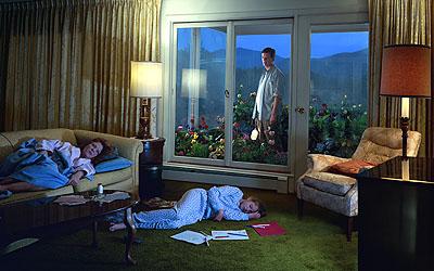 Untitled, aus der Serie Dream House, 2002 Digitaler C-Print, 73,7 x 111,8 cm Courtesy Luhring Augustine, New York © Gregory Crewdson