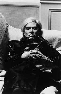 Helmut Newton Andy Warhol in Paris. 1977  Gelatin silver print, printed later.  12.4 x 8.1 in., size of sheet 13.9 x 10.9 in.  Lot 178 / Estimate EUR 8.000,- EUR