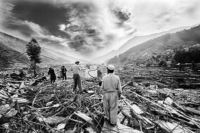 Shahidul Alam (Kashmir Earthquake)