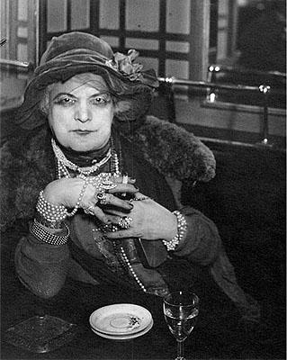 Brassai. « Le môme Bijou », 1932.