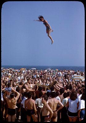 Strandleben, Coney Island, New York, 1946. FFV/KMB, Dep. GKS. © GKS.