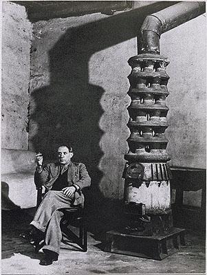 Brassaï, Picasso - Rue des Grands-Augustins, Paris, September 1939 © ESTATE BRASSAÏ - RMN / CNAC – MNAM