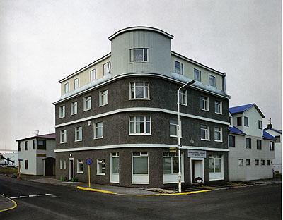Olaf Otto BeckerHaus Nordküste, Idsland, 2000Copyright Olaf Otto Becker, Courtesy of the Stephen Cohen Gallery.