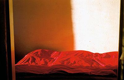 Stephen Wilks, Ohne Titel, 2002-2004, C-Print, 50 x 60, ML/F 2006/0016,Fotografische Sammlung Museum Ludwig, © Stephen Wilks