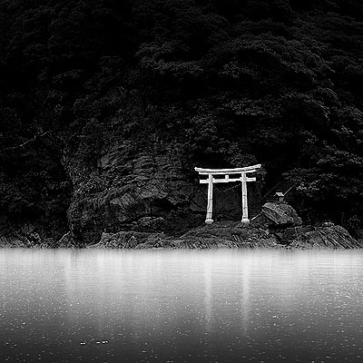 Shrine Entrance, Japan 2006size 115 cm x 115 cmEdition of 3Archival pigment ink print