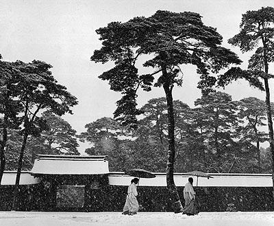 Werner Bischof, Tokyo, 1951. © Magnum Photos