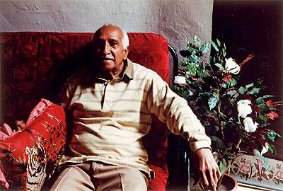 © Paul Albert Leitner, Ruben Gonzáles in his home, Centro Habana, La Habana 1999, Courtesy der Künstler und Galerie Fotohof Salzburg