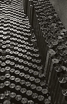 Umbo, Friedliche Demontage, ca. 1947Courtesy Galerie Kicken, Berlin und Phyllis Umbehr, Unterwössen