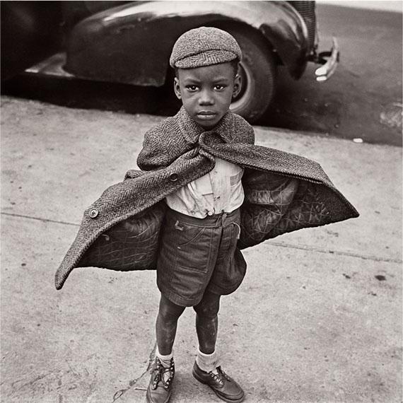 Jérôme Liebling, Butterfly Boy, NYC, 1949 ©Jérôme Liebling, courtesy Galerie Frédéric Moisan (Paris) & Steven Kasher Gallery (New York)