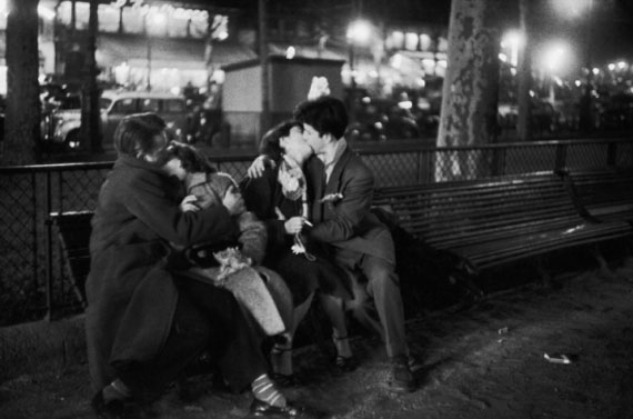 Sabine Weiss. 31 decembre, Paris, 1954