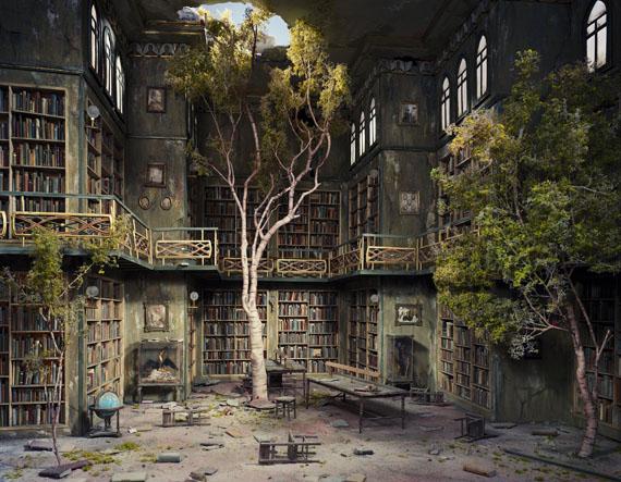 Lori Nix: Library, 2007 © Lori Nix