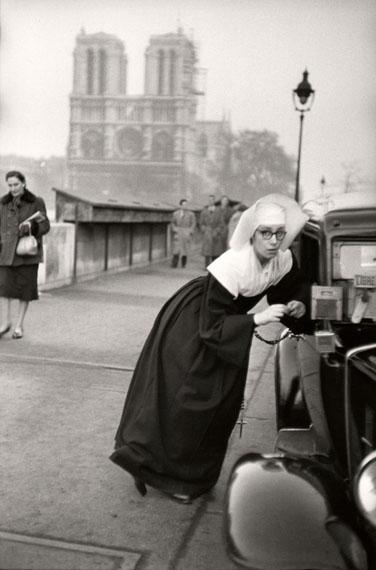 Nun in front of Notre-Dame, Paris 1953 © Marc Riboud Magnum Photos