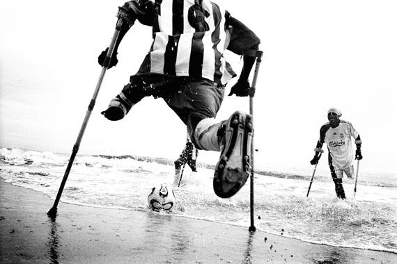 Pep Bonet: One Goal, Sierra Leone © Pep Bonet/NOOR/laif
