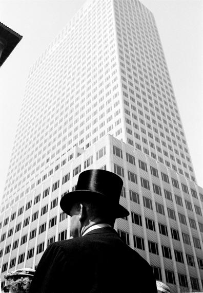 Thomas Hoepker, 5th Avenue, New York City, 1960© Thomas Hoepker / Magnum Photos