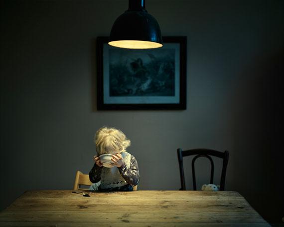 """Joakim Eskildsen: """"Dinner"""", aus der Serie """"Home Works"""", 2010"""