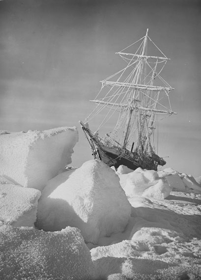 Frank Hurley: The returning sun © Royal Geographical Society (with IBG)